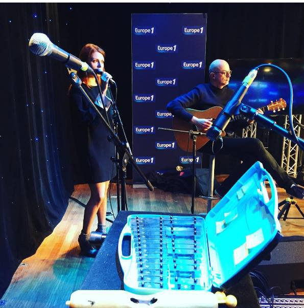 nouvelle vague sur europe 1 le 8 novembre 2016 et NouvelleVague en Live dans l'émission CàVous le 8 novembre 2016