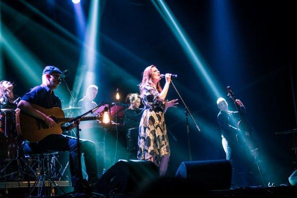 Concert Elodie frégé en Lituanie le 21 avril 2017 ( 4 et fin )