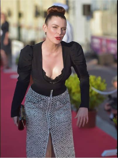 Elodie frégé : jury au festival du film de Cabourg juin 2017 ( 2 )