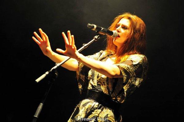 Concert Elodie frégé au festival du cabaret frappé a Grenoble en France le 16 juillet 2017 ( 3 )