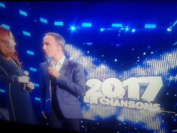 """Elodie Frégé dans l'émission de tf1 : """" 2017 en chansons """" le 29 juillet 2017 ( 1 )"""