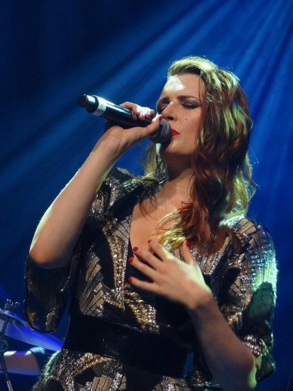 Concert de Elodie Frégé le 6 août 2017 à Bruxelles en Belgique ( 2 )