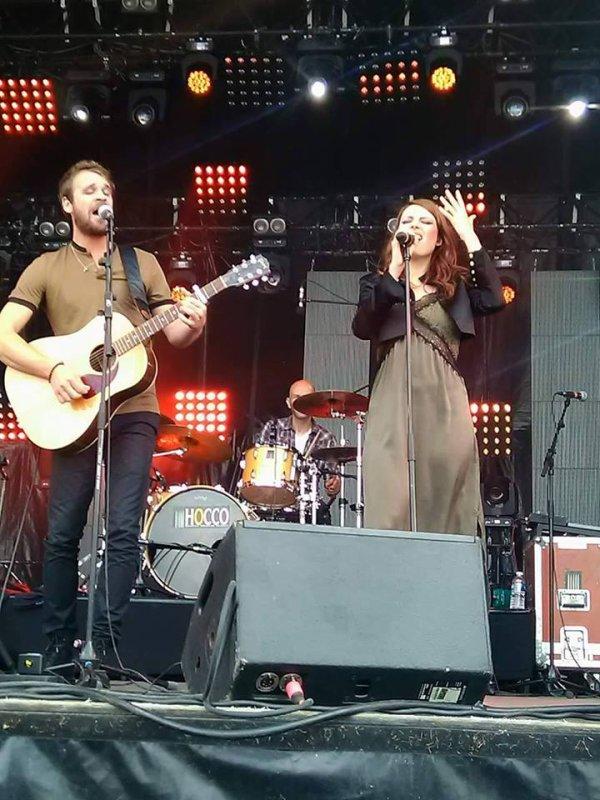 Concert Elodie frégé avec Cyril Mokaiesh a la Courneuve a Paris a la fête de l'humanité le 17 septembre 2017 ( 1 )