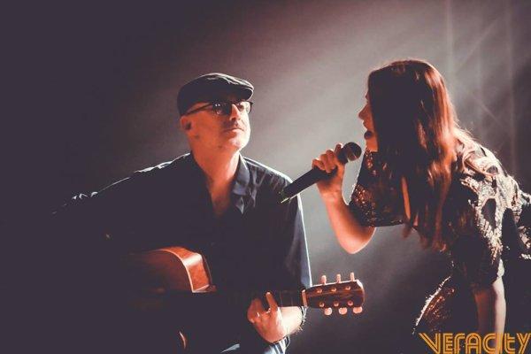 Elodie Frégé en concert a Lisbonne au Portugal le 26 octobre 2017
