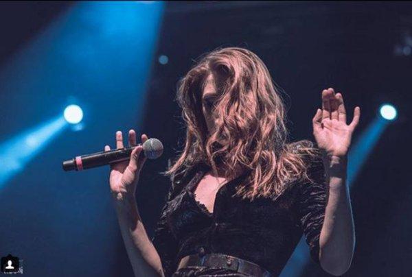 Elodie Frege en concert a Athènes en Grèce le 2 décembre 2017 ( 1 )