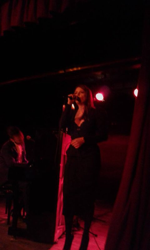 Elodie frégé au concert de Michal au nez rouge a Paris le 27 janvier 2018