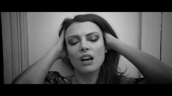 """ELODIE FREGE DANS UN NOUVEAU PROJET MUSICALE , UN NOUVEAU GROUPE DE FEMMES """" GEMME """""""