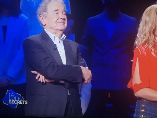 """ELODIE FRÉGÉ DANS L EMISSION DE FRANCE 3 """" LA BOITE A SECRETS """" LE JEUDI 9 SEPTEMBRE 2021 ( 5 )"""