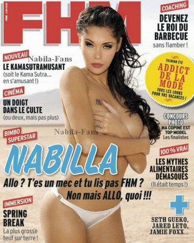 Nabila pose dans le magasine FHM
