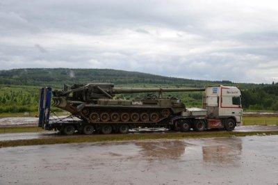 Convoi exceptionnel char d'assault