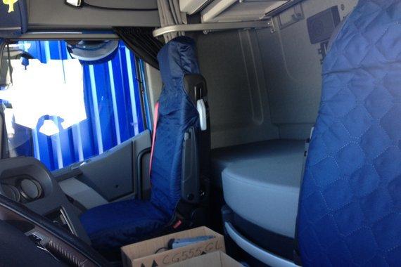 Articles de leroutierdu82000 tagg s renault premium for Interieur camion renault t