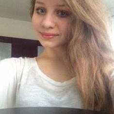 voilas une photo de moi comme vous l ave voulus :)