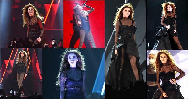 01.06.16 ─ Selena Gomez a donner son dix-huitième concert pour son « Revival Tour », se déroulant à Brooklyn.Selena G. a finis la tournée à travers le Canada, elle va déposée désormais ces valises dans les villes des États-Unis pendant 25 shows jusqu'au 08/07