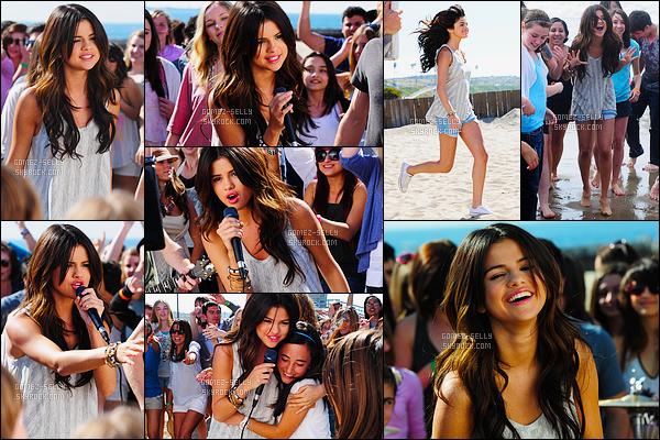 13.02.2011 ─ Selena Gomez a été vue pendant qu'elle était sur le set de son clip Who Says, dans Los Angeles, CA.Nous pouvons apercevoir derrière Sel la plage, mais surtout des fans ! Elle a réalisée en effet un casting pour que ces fans apparaissent dans le clip.