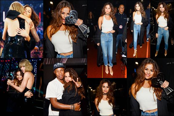 03.04.16 ─ Selena Gomez était présente lors des iHeartRadio Music Awards, se déroulant, dans Los Angeles, CA.La jeune chanteuse était vêtue d'une jolie combinaison rouge/orangé de Thierry Mugler. Selena Gomez a remportée l'award du « Biggest Triple Threat ».