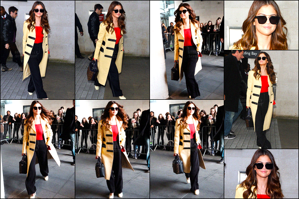 11.03.16 ─ Selena Gomez a été photographiée, alors, qu'elle arrivait aux studios de la BBC Radio One, à Londres.A peine arrivée à Londres, la belle Américaine SG continue la promotion de sa prochaine tournée... Toujours aussi adorable avec ces fans. C'est un top !