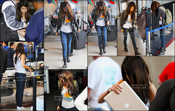 30.01.11 ─ Selena Gomez a été vue arrivant à l'aéroport de LAX, qui se situe, dans la ville dans Los Angeles, CA.On ne sais pas pour quel vol Selena a pris la destination mais elle n'étais pas décider à montrer son visage au paparazzi ! C'est un top pour la belle.