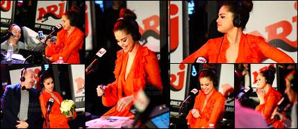 10.03.16 ─ Selena Gomez a assister à une émission de radio à NRJ, présenté par Cauet, à l'ARC, dans Paris, en FR.Plusieurs fan de la belle brunette SG était présente à l'événement. Auparavant, Selena G. a posée dans les studio de NRJ avec l'animateur français Cauet.