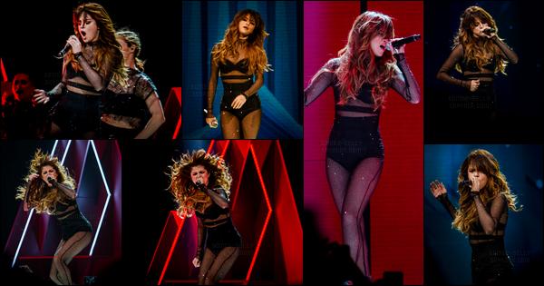 10.06.16 ─ Selena Gomez a donner son vingt-quatrième concert pour son « Revival Tour » dans Orlando, Floride.Selena G. a finis la tournée à travers le Canada, elle va déposée désormais ces valises dans les villes des États-Unis pendant 19 shows jusqu'au 08/07