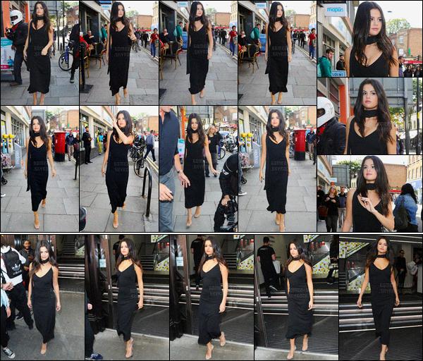 25.09.2015 ─ Selena Gomez a été photographiée arrivant, puis, quittant le «Bento Cafe» étant, dans Londres, UK.Plus tôt, Selena G. a été vue quittant les studios VEVO. Encore une fois elle a été vue avec une nouvelle tenue, sa robe est vraiment très jolie, gros top !
