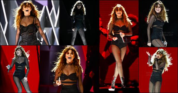 21.06.16 ─ Selena Gomez a donner son trente-et-unième concert pour son «Revival Tour» dans Nashville en TN.Selena Gomez se produira pendant encore 12 show dans les villes des Etats-Unis. Selena Gomez se produira ensuite au Québec lors d'un festival d'été...
