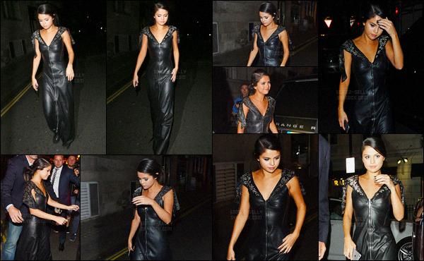 20/09/2015 : Selena Gomez a été vue alors qu'elle quittait l'hôtel Clardiges, avec Cara Delevingne, à Londres. Plus tard, Sel s'est rendue à Lou Lou's pour dîner. Après l'effort, le réconfort ! Elle n'a pas pris le temps de se changer, mon avis est donc le même.