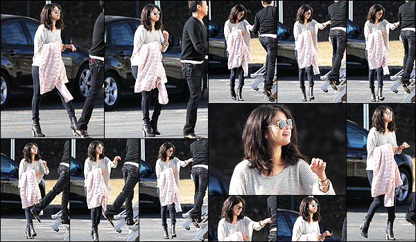 - 21/01/15 : Selena a été aperçue sur le tournage de « The Revised Fundamentals Of Caregiving », à Atlanta.   Selena rejoignait sa loge avec un grand sourire accrocher à son visage ! D'après les rumeurs le DJ Zedd l'aurait rejoint.. Alors, futur idylle entre eux ?  -