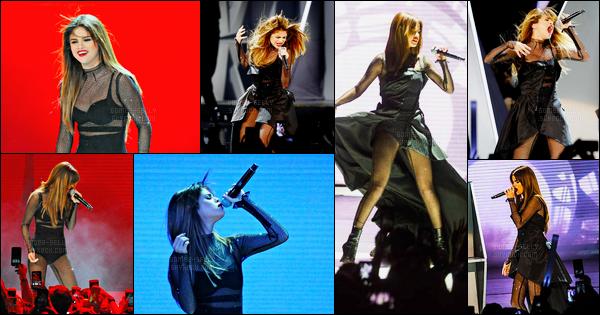 29.06.16 ─ Selena Gomez a donner son trente-septième concert pour son « Revival Tour » étant dans Milwaukee.Selena Gomez se produira pendant encore 06 show dans les villes des Etats-Unis. Selena Gomez se produira ensuite au Québec lors d'un festival d'été...