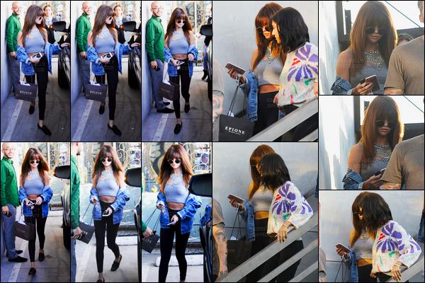 13.07.16 ─ Selena Gomez a été photographiée alors, qu'elle quittait Nine Zero One, étant, dans West Hollywood.La jeune chanteuse SG été accompagnée de son amie la chanteuse Lea Michele. Auparavant, elle a été vue arrivant au salon,très peu de photos dispo.