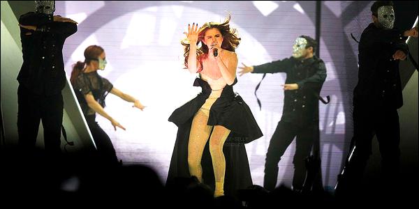 20.05.16 ─ Selena Gomez a donner son dixième concert pour son « Revival Tour », se déroulant, dans Winnipeg.Selena G. continue tranquillement sa tournée dans tout le Canada pour l'instant. Selena se rendra sur la scène de Ottawa le 22/05 et le 23/05 à London.