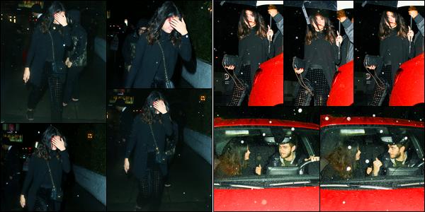 10.01.2015 ─ Selena Gomez a été photographiée arrivant puis quittant le Château Marmont, au West Hollywood.Selena Gomez est donc arrivée avec Skrillex et est reparti du Château Marmont en compagnie du DJ Zedd qui travaille avec elle sur son prochain album.