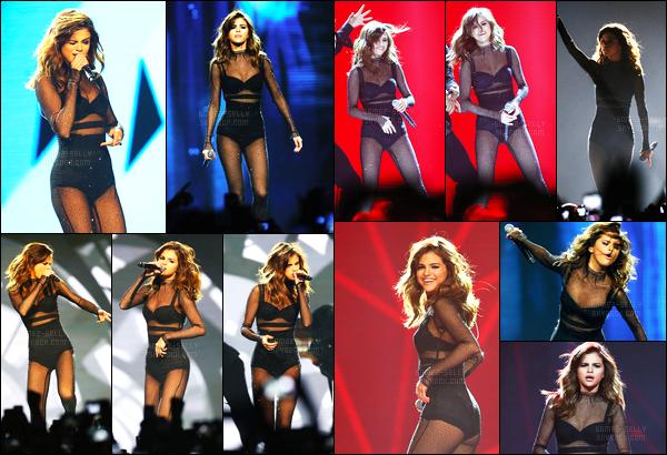 09.08.16 ─ Selena Gomez a donner son cinquante-troisième concert pour le «Revival Tour», étant, dans Sydney.Sel se produira encore pendant 02 show en Océanie puis prendra une longue pause dans sa tournée jusqu'en Octobre et ça sera le tour de l'Europe !