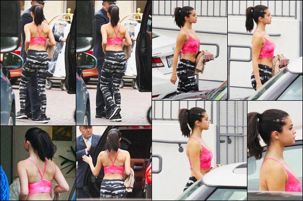 18.01.2016 ─ Selena Gomez a été aperçue arrivant puis quittant le Body By Simone avec Taylor S., à Los Angeles.Cela faisait un moment que nous n'avons pas eu de sortie des deux BFF. Je trouve que Selena Gomez a énormément maigri.. J'aime bien sa tenue, top !