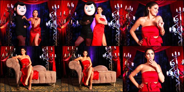 - 14/06/15 : Selly Gomez et ses co-star étaient à l'avant-première du film « Hotel Transylvania 2 » à Cancun.   Lors du « Summer of Sony Pictures Entertainment » au Mexique le film a été dévoilé à l'hôtel Ritz-Carlton, avec Adam Sandler puis Kevin James ! -