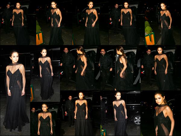 09.03.16 ─ Selena Gomez a été photographiée arrivant et quittant le dîner de Louis Vuitton qui était à Paris, FR..Selena Gomez est apparu dans une magnifique longue robe noir avec des parties transparentes. C'est un gros coup de coeur pour moi, c'est un top !