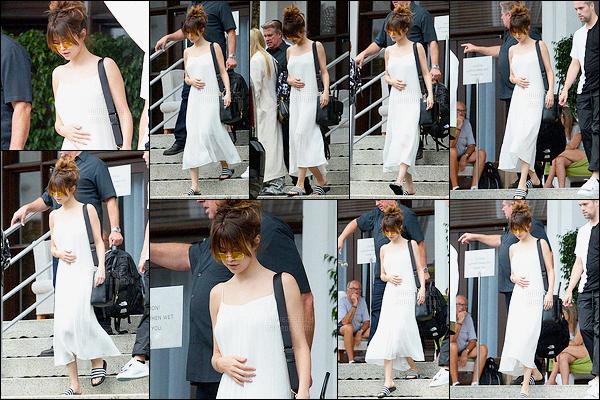 11.06.16 ─ Selena Gomez a été photographié alors qu'elle arrivait au American Airlines Arena, à Miami en Floride.C'est avec beaucoup de tristesse que Selena G donnera son concert ce soir, elle a perdu son amie proche Christina Grimmie.. Toute mes condoléances.