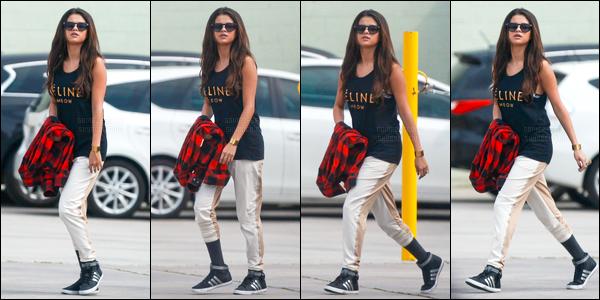 03/03/14 - Selena Gomez a été photographiée, alors, qu'elle quittait un studio de danse, dans Los Angeles.C'est toujours accompagnée de ses amies que la belle a été photographiée arrivant au restaurant «Sansai» à Los Angeles. C'est un top de ma part.