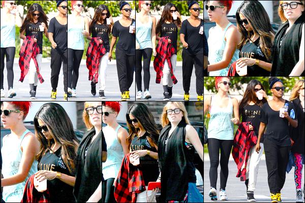 03.03.2014 ─ Selena Gomez a été photographiée, alors, qu'elle quittait un studio de danse, étant, à Los Angeles.C'est toujours accompagnée de ses amies que la belle S.G a été photographiée arrivant au restaurant « Sansai » à Los Angeles. C'est un top de ma part.