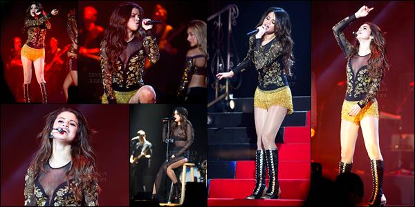08/03/14 - Selena Gomez a donner cinquante-septième concert du Stars Dance Tour dans Hidalgo au Texas.Et oui la tournée de la belle a bel et bien repris ! Son ex, Justin Bieber était présent dans le public lors de ce concert. Elle est adorable sur les photos !