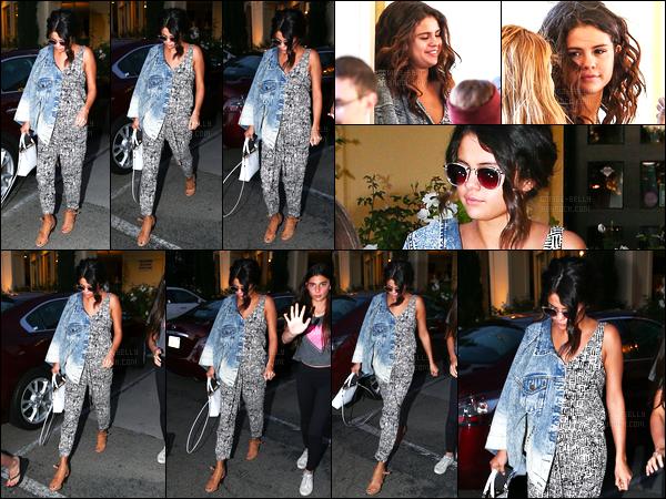 06/04/14 - Selena Gomez a été photographiée, alors, qu'elle quittait, le salon Nine Zero One, à Los Angeles.C'est plus tard dans la journée que la belle a été photographiée quittant le restaurant Shibuya à Los Angeles. Sa tenue c'est un beau top pour moi !