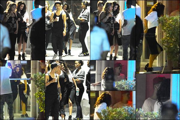 08/04/14 - Selena Gomez a été photographiée alors qu'elle quittait un studio d'enregistrement, dans Miami.Et avec qui elle était ? Nul autre que Justin Bieber ! Ainsi que Madison Beer dont une photo a été postée sur la toile. Concernant la tenue, c'est top !