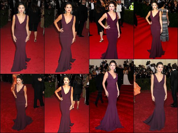 05/05/14 - Selena Gomez était présente pour la première fois au MET Gala, qui a eu lieu dans New-York City.Notre jolie chanteuse portait une robe de Diane Von Furstenberg. Personnellement je la trouve réellement magnifique dans cette robe. Et vos avis ?