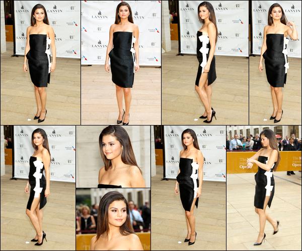 12/05/14 - Selena Gomez, était présente, au American Ballet Theatre 2014 Opening Night Spring Gala, à NY.Plus tôt notre brunette a été photographiée faisant du shopping sur Madison Avenue. Concernant les deux tenues, c'est deux gros top pour ma part !