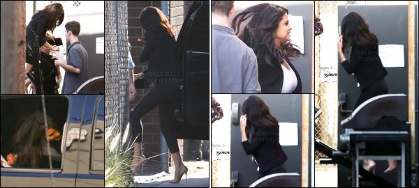 18.06.2014 ─ Selena Gomez a été aperçue alors qu'elle se rendait à un studio d'enregistrement dans Hollywood.Un peu avant de rejoindre Justin Bieber en studio la belle Selly a été photographiée avec ces grands-parents alors qu'elle quittait le restaurant Cecconi's..