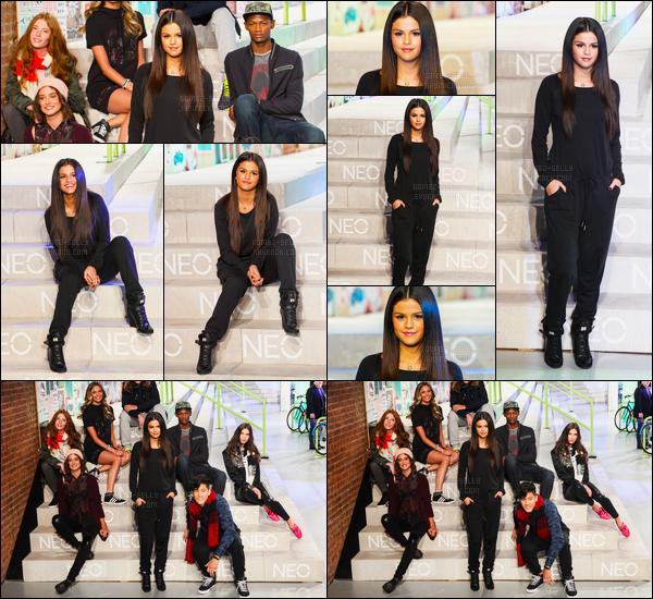 03/09/14 - Selena Gomez était présente lors du Adidas NEO Fashion Show, se déroulant dans New-York City.Selena faisait la promotion de la collection de sport automne/hiver. Concernant sa tenue, elle portait une combinaison noire toute simple, c'est un top