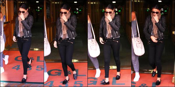 29.10.2014 ─ Selena Gomez a été photographiée, alors, qu'elle allait déjeuner, avec des amies, dans Studio City.Après avoir déjeuner la belle SG a été photographiée un peu plus tard, quittant une clinique médical à Beverly Hills. Concernant sa tenue, c'est un top !