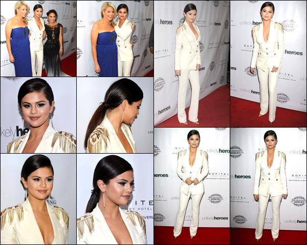 08.11.14 ─ Selena Gomez était présente, à la 3ème édition, du Gala Unlikely Heroes Awards, étant à Los Angeles.Selena Gomez n'a a mon goût pas réalisée un top. Je n'aime pas du tout sa tenue et sa coiffure non plus, c'est donc un flop de ma part personnellement.