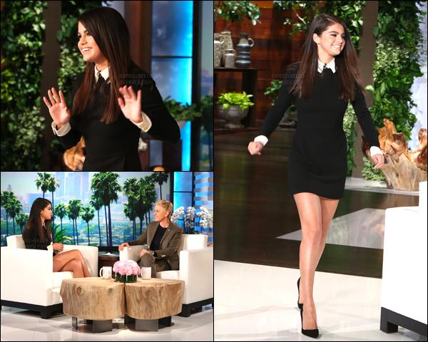 13.12.14 ─ Selena Gomez était présente, sur le plateau de « The Ellen Degeneres Show », étant dans Los Angeles.C'est très souriante que la belle s'est rendue sur le plateau de l'animatrice. Concernant sa tenue, c'est un très beau top de ma part personnellement !