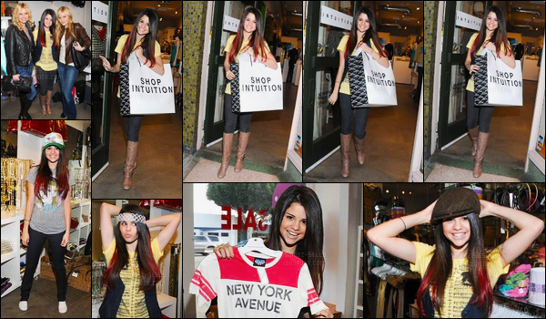 07.01.08 ─ Selena Gomez a été photographiée alors qu'elle faisait du shopping à Intuition dans Los Angeles, CA.On pourrait croire que Selena était en train de réalisée un photoshoot ! Elle avait des mèches rouge dans les cheveux, sa tenue est simple... Vos avis ?