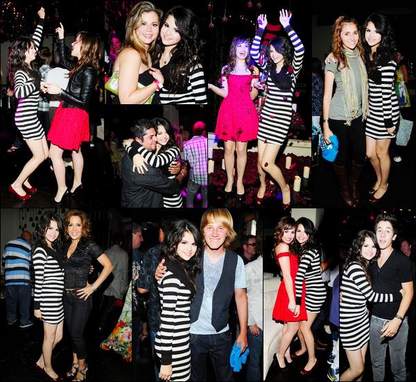 22.07.08 ─ Selena Gomez était présente, à sa fête d'anniversaire de ses 16 ans se déroulant, à Los Angeles, CA.Selena G avait évidemment invitée toutes ses amies dont sa meilleure amie, Demi Lovato avec qui elle a dansée et posé, ainsi que David Henrie, etc.
